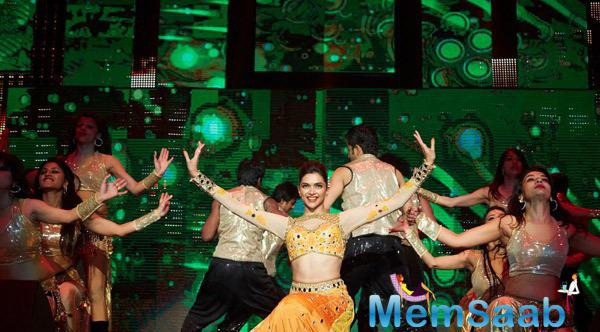Deepika Padukone Stunning Pose On The Stage At Their Promotion Venture SLAM In Washington