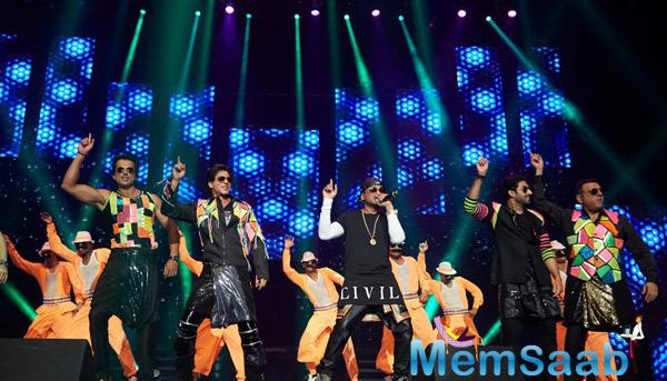 Yo Yo,Sonu,SRK,Abhishek And Boman Rocked On The Stage During Their Promotion Venture SLAM In Washington