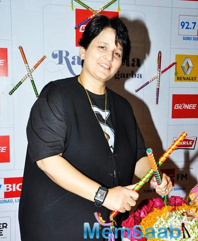 Falguni Pathak Joins Hands With Mangal Entertainment And 3rd Rock Multimedia