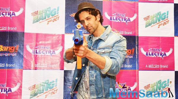 Hrithik Roshan Unveils Mitashi Bang Toys Guns In Mumbai