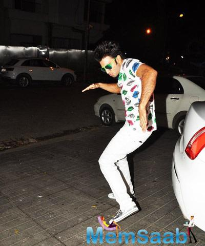 Ranveer Singh Poses Animatedly During Dil Dhadakne Do Completion Bash