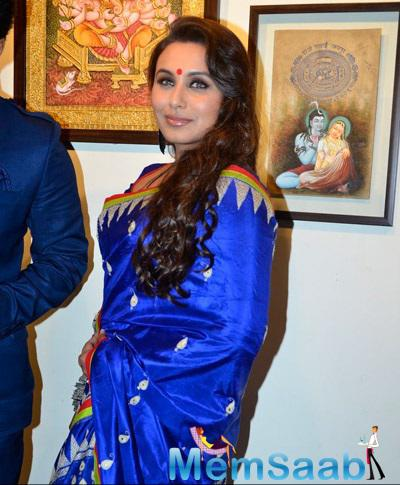 Rani Wore Blue Saree With Matching Blouse During Innauguration Of Art Exhibition