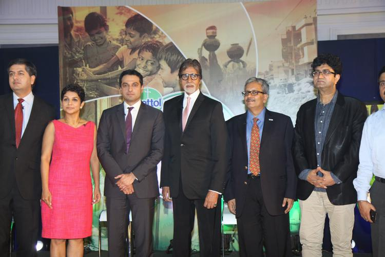 Amitabh Bachchan,Prasoon Joshi And Others Are Clicked At The Launch Of Dettol Banega Swachh India Initiative