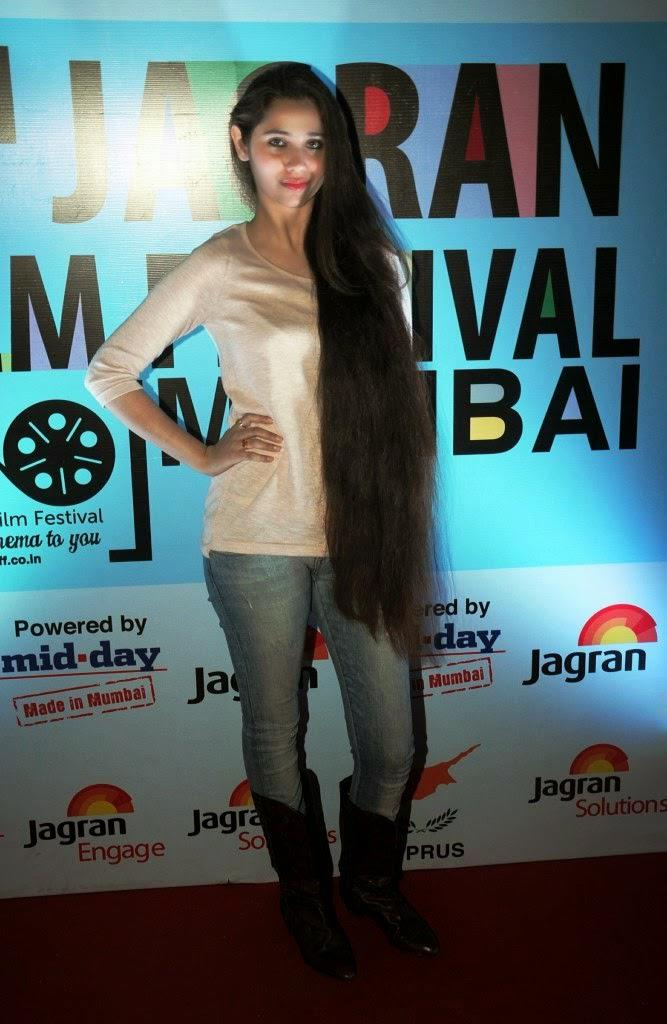 Sasha Agha Strikes A Pose On Red Carpet During 5th Jagran Film Festival Day 3