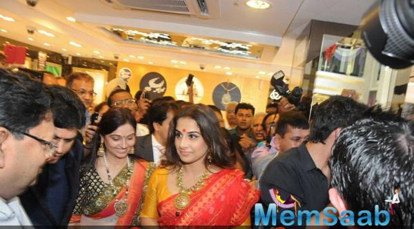 Vidya Balan Inaugurates PC Jeweller's First Showroom In Kolkata