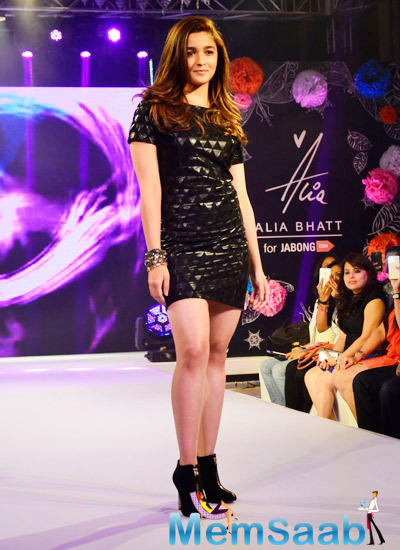 Alia Walked The Ramp As The Showstopper At Her Jabong Winter Fall Collection