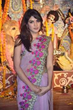 Rhea Chakraborty Posed In Front Of The Deity At Bandra Sarbojanik Durga Puja Pandal