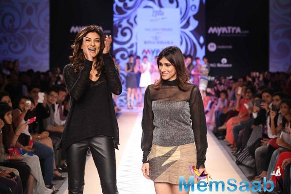 Sushmita Sen On Ramp With Designer Rina Dhaka During Day 1 Myntra Fashion Weekend 2014