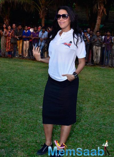 Neha Dhupia Stylish Cool Look During The Promotion Of Ekees Topn Ki Salami