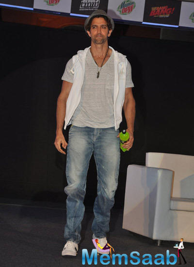 Hrithik Roshan Stylish Pose For Media At Mountain Dew Campaign Heroes Wanted Launch Event