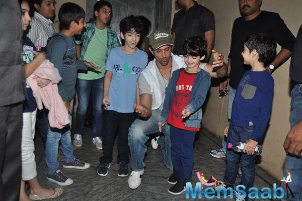 The Doting Father Hrithik Roshan Cool With His Sons At Bang Bang Special Screening