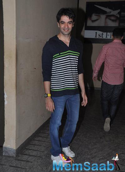 Punit Malhotra Smiling Pose At Bang Bang Special Screening Hosted By Hrithik Roshan