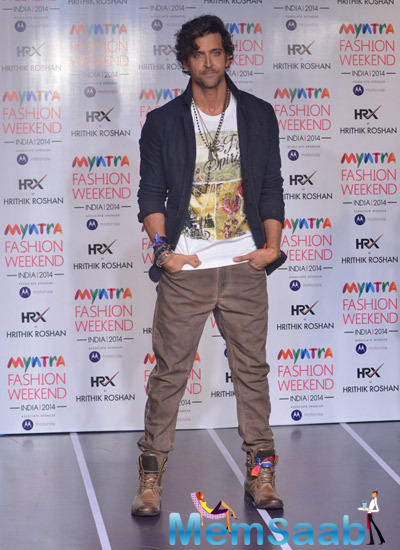 Hrithik Roshan Posed For Camera During Myntra Fashion Weekend Finale
