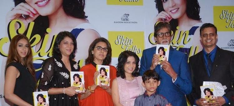 Ileana,Priya,Neetu,Dr Jaishree And Big B Pose For A Group Picture On Stage At The Book Unveiling