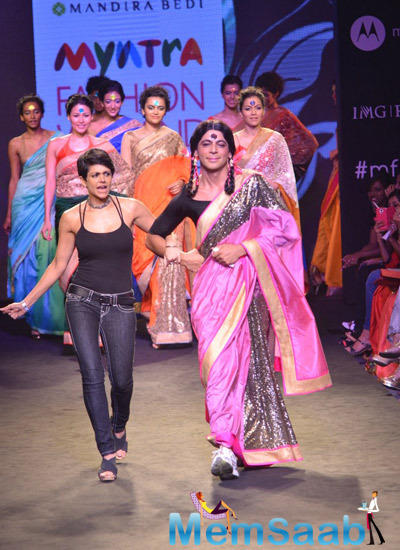 Mandira Bedi And Sunil Grover Graced On Ramp At Myntra Fashion Weekend 2014 Finale