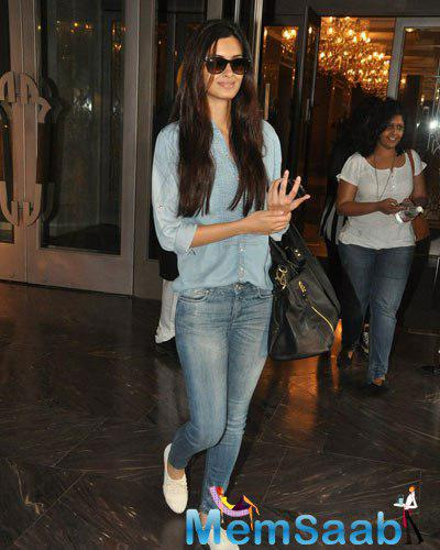 Diana Penty Cool Casual Look Out Side Of Palladium Hotel