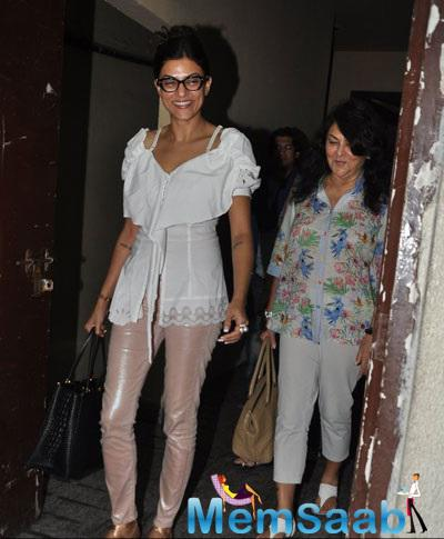 Sushmita Sen Clicked At Suburban Theatre During A Movie Screening
