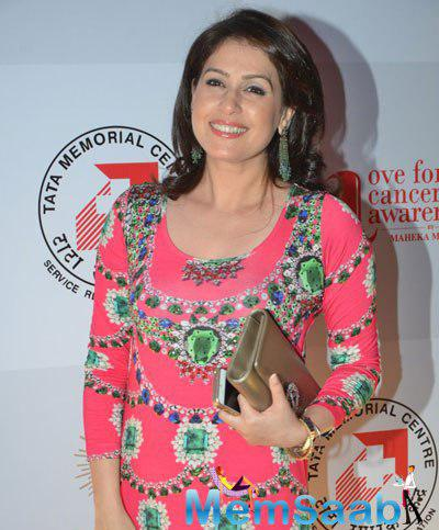 Amrita Raichand Flashes Smile During The Charity Fashion Show Hosted By Maheka Mirpuri