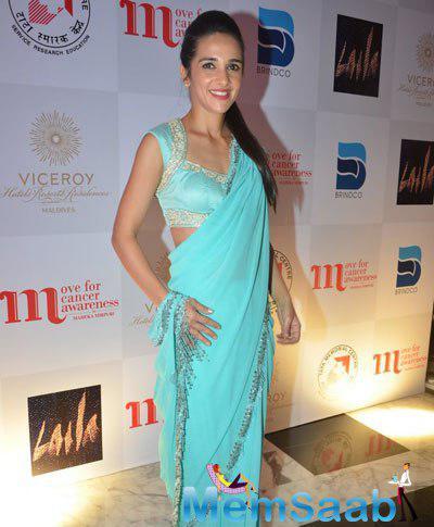 Smiling Sharma Stunning Look In Saree At Maheka Mirpuri Charity Fashion Show