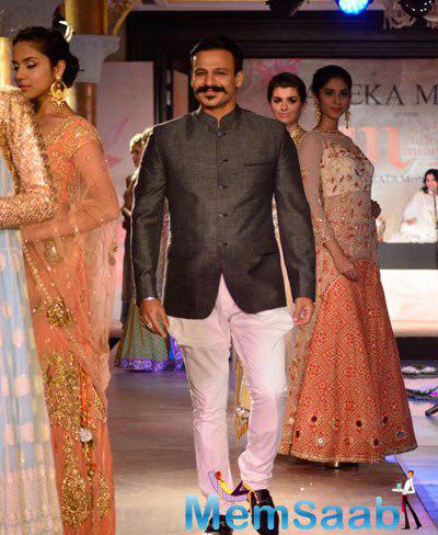 Vivek Oberoi Showstopper For Designer Maheka Mirpuri Fashion Show For Cancer Cause