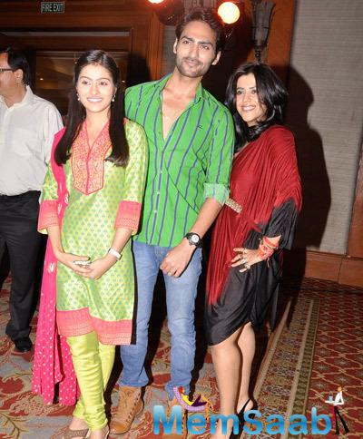 Ekta Kapoor Posing With TV Actors At The Launch Of Yeh Dil Sun Raha Hai
