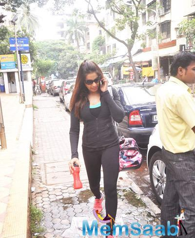 Bipasha Basu In Black Costume Snapped After A Workout In Mumbai