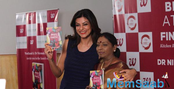 Sushmita Sen Posed With Dr Nirmala Shetty At The Launch Of Book Beauty At Your Finger Tips By Dr Nirmala Shetty