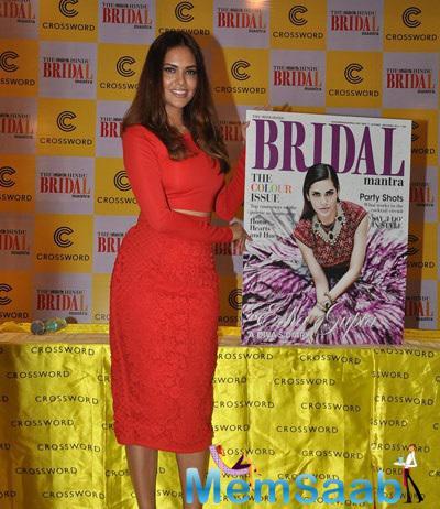 Esha Gupta Graces The Hindu Bridal Mantra Magazine Launch
