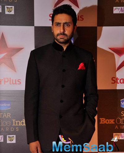 Abhishek Bachchan Dappers Look In Black Suit During Star Plus Box Office Awards 2014
