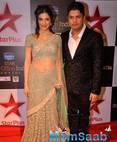Bhushan Kumar Posed With Wife Divya Khosla Kumar During Star Plus Box Office Awards 2014
