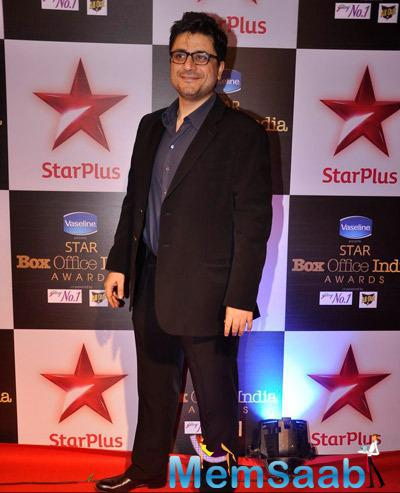 Goldie Behl Flashes Smile At Star Plus Box Office Awards 2014