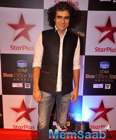 Imtiaz Ali Posed In Red Carpet At Star Plus Box Office Awards 2014