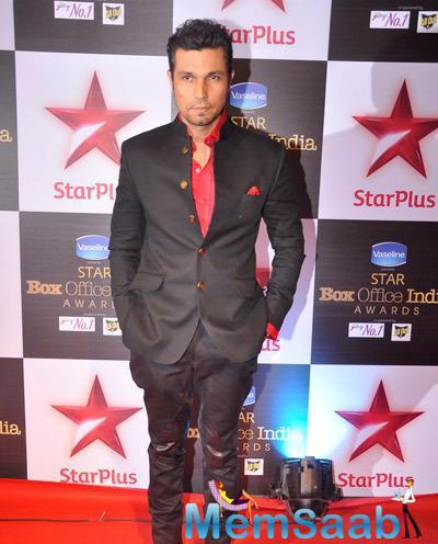 Randeep Hooda Dashing Look During Star Plus Box Office Awards 2014
