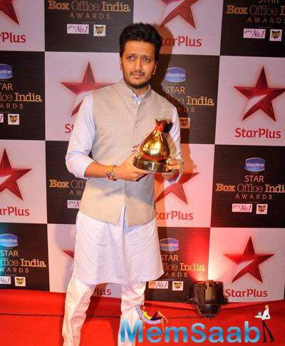 Riteish Deshmukh Posed For Media During Star Plus Box Office Awards 2014