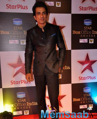 Sonu Sood Nice Look At Star Plus Box Office Awards 2014