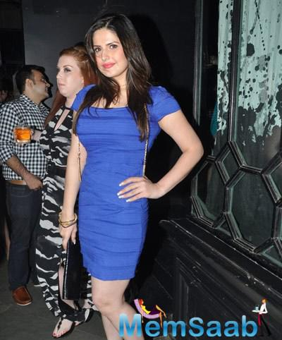 Zareen Khan Strikes A Stunning Pose At Nido Bar Nights By Butter Events
