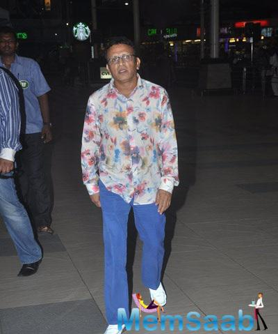 Annu Kapoor Snapped At Domestic Airport After Promoting Film The Shaukeens
