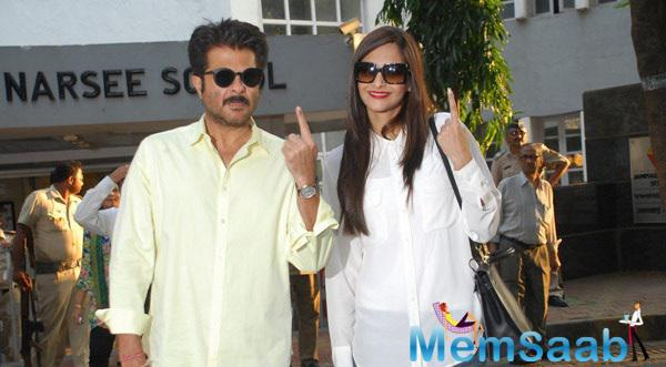 Anil With Daughter Sonam Posed At Maharashtra State Elections 2014