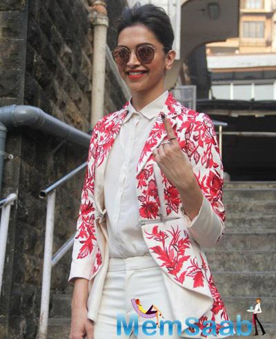 Deepika Padukone Snapped At Polling Booths For Voting For Maharashtra State Elections 2014