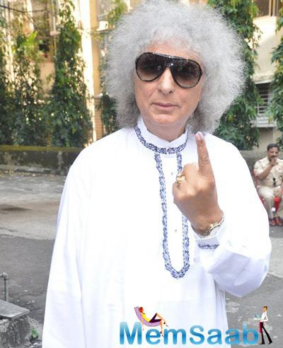 Indian Santoor Player Shivkumar Sharma Snapped At Polling Booths For Voting For Maharashtra State Elections 2014