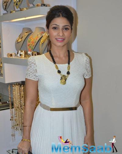 Tanishaa Seen In White Dress At Multi Designer Store Launch Minerali In Bandra West