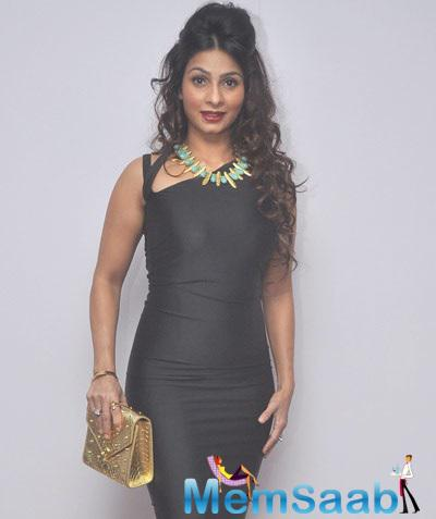 Tanishaa Wore Black Dress By Designer Harsh Harsh For The Idiva Party