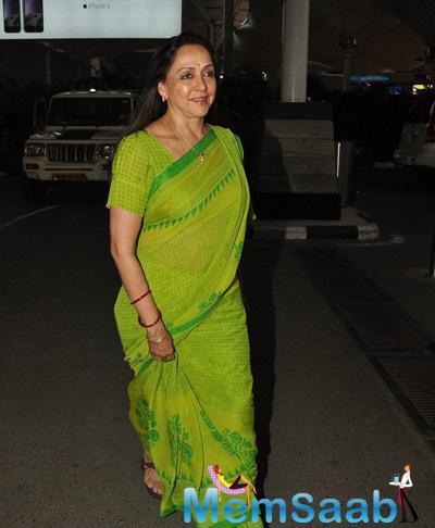 Hema Malini Is All Smiles For Camera At Mumbai International Airport