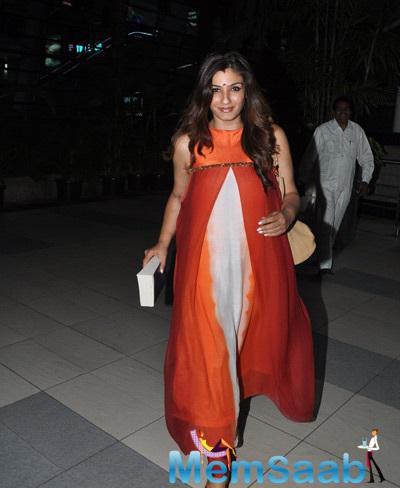 Raveena Tandon Looks Elegant In This Outfit At Mumbai International Airport