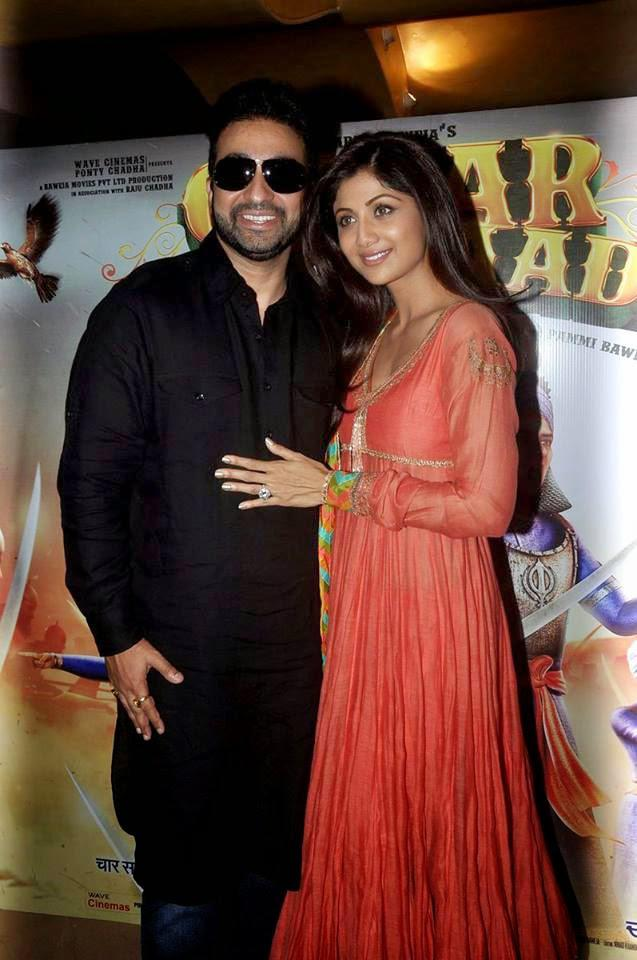 Raj Kundra And Wife Shilpa Shetty Posed At The Launch Of Chaar Sahibzaade Movie