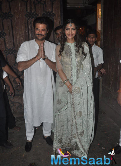 Anil Kapoor And Sonam Kapoor Greets The Fans During Diwali Celebration