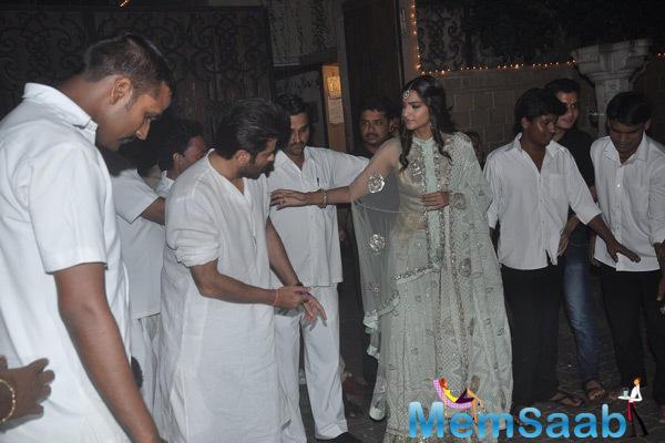 Sonam Kapoor Celebrates Diwali On Her Residence
