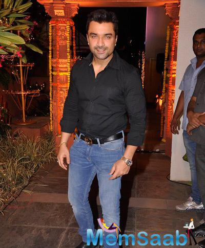 Ajaz Khan Dashing Pose During Sachiin J Joshi And Urvashi Sharma Diwali Bash