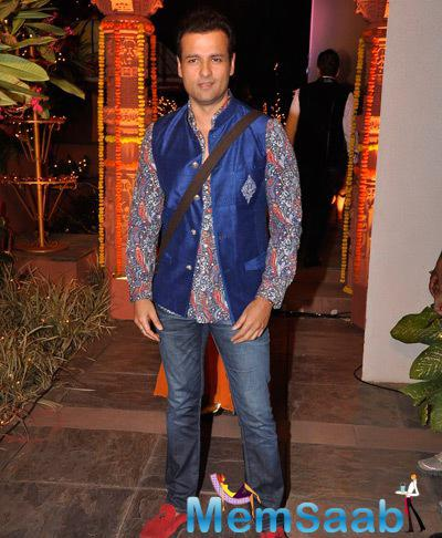 Rohit Roy Posed For Media During Sachiin J Joshi And Urvashi Sharma Diwali Bash