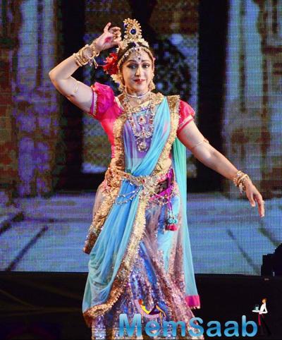 Hema Malini Amazing Performance In Radha Krishna Ballet Dance